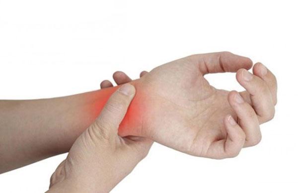 Cách khắc phục chấn thương cổ tay