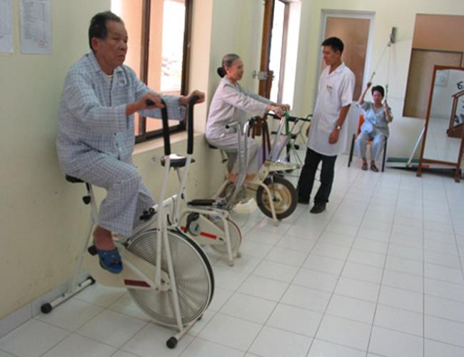 Xe đạp tập cho người già loại nào tốt