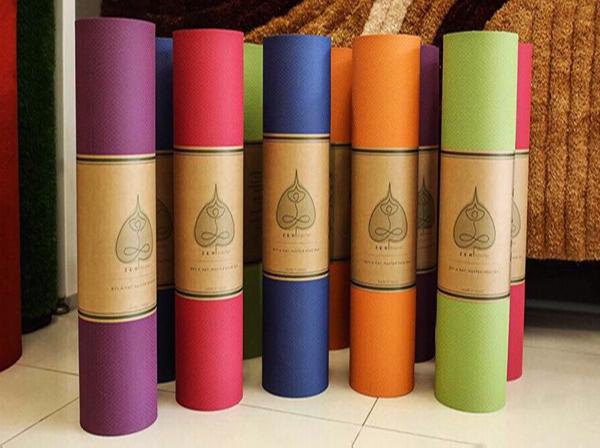 chọn mua thảm tập yoga