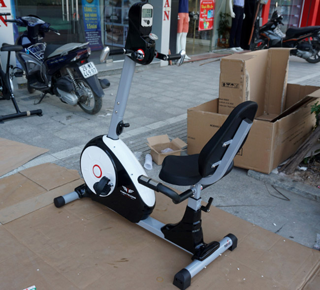 Xe đạp tập thể dục K8602R
